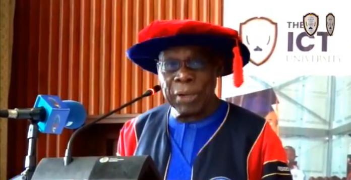 Cameroun : le président Olusegun Obasanjo invite les diplômés de ICT University à créer les entreprises